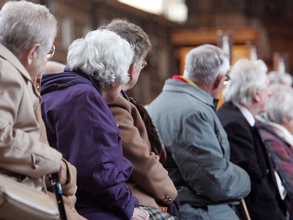 Повышение пенсии с 1 января 2020 года: кому и на сколько увеличили