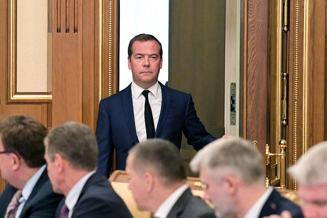 Отставка Медведева и проблемы с пенсионной реформой