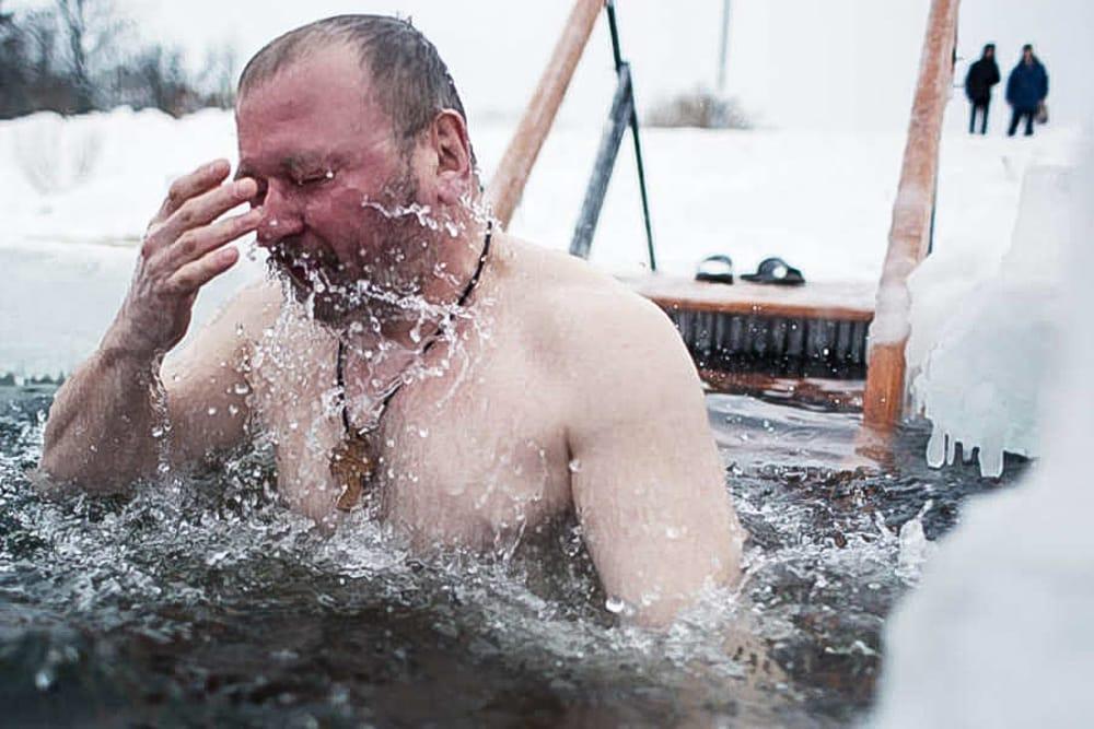 Список купелей на Крещение в 2020 году в Москве: где можно купаться в проруби в разных частях Москвы