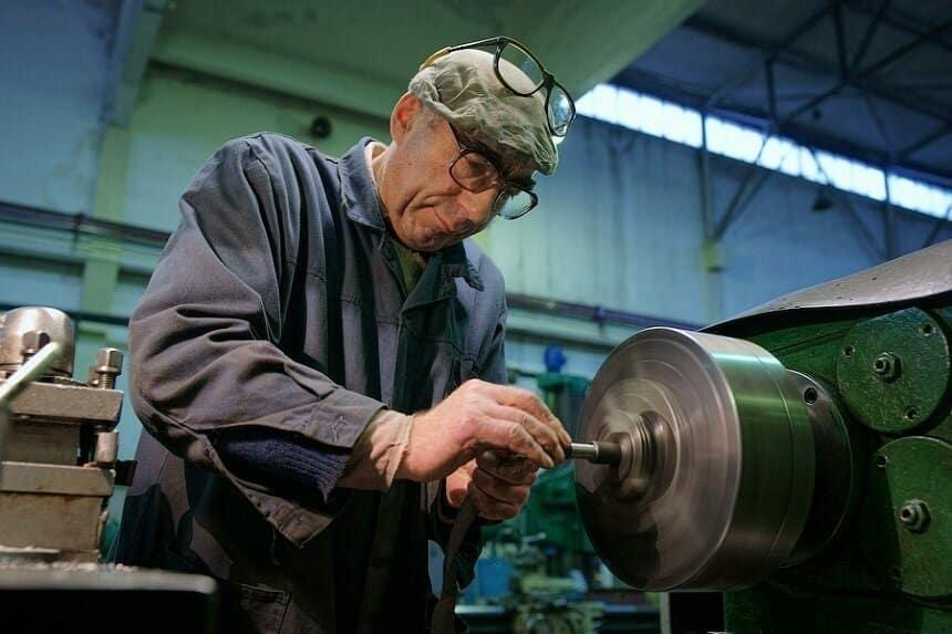 Каким образом будет проводиться индексация пенсий для трудящихся пенсионеров?