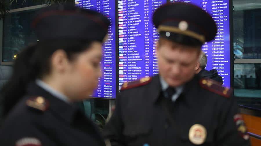 Бросивший детей в аэропорту россиянин, может попасть в тюрьму