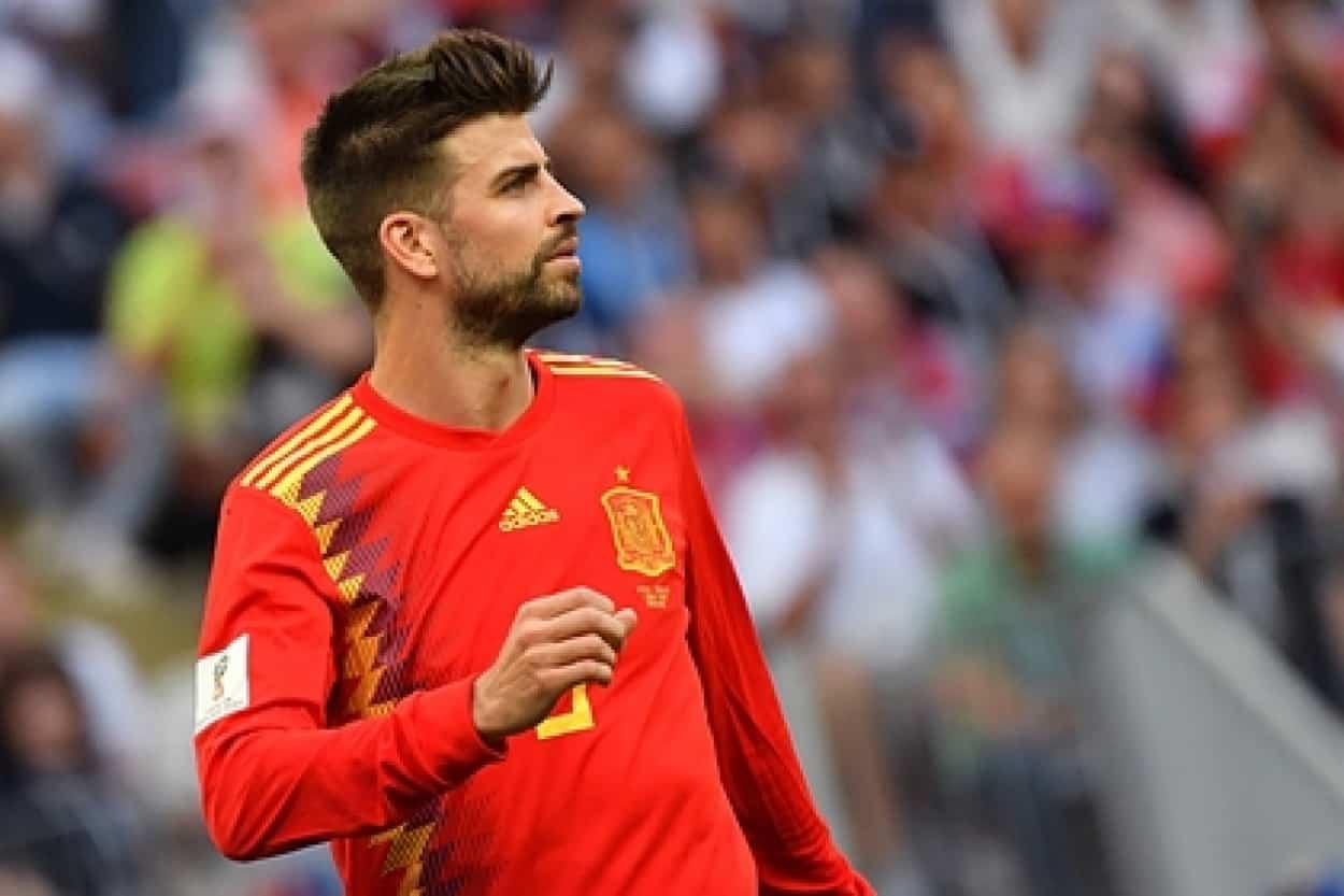 «Зенит» поздравил Жерара Пике кадрами гола в ворота Испании