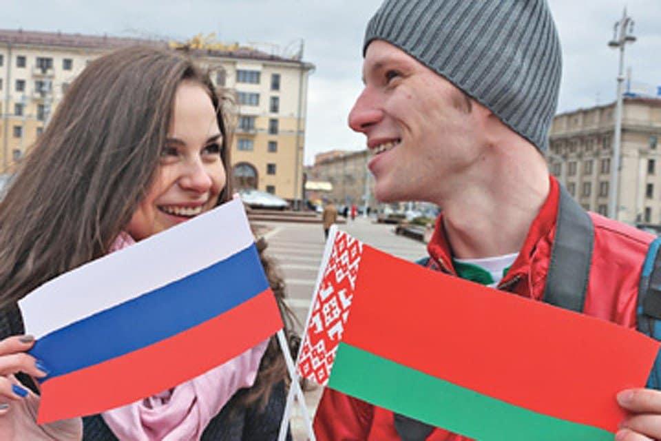 Россия и Беларусь могут объединиться: возможные причины, комментарий Лукашенко