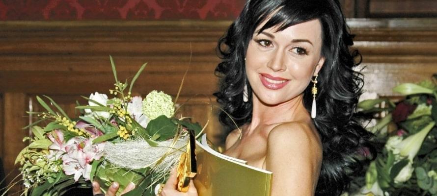 Жива ли Анастасия Заворотнюк: в Сети появились сообщения о скорой кончине актрисы, последние новости