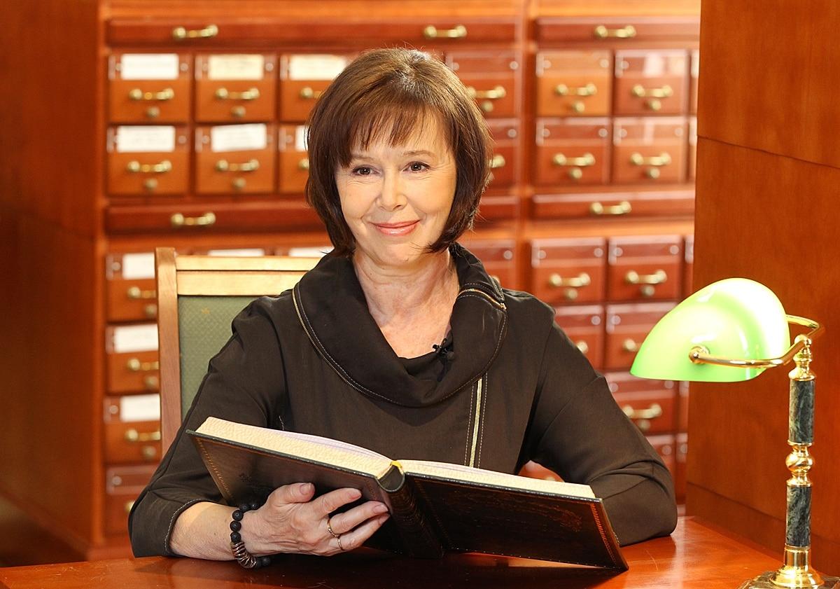 Народная артистка РФ Евгения Симонова и ее история борьбы с раком легких