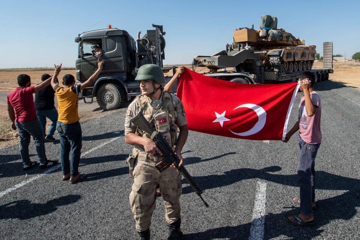 «Мы просим Россию не вмешиваться»: Эрдоган начал военные действия против Сирии