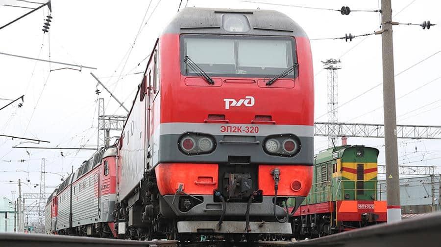 Из-за распространения коронавируса в России приостанавливают пассажирское железнодорожное сообщение
