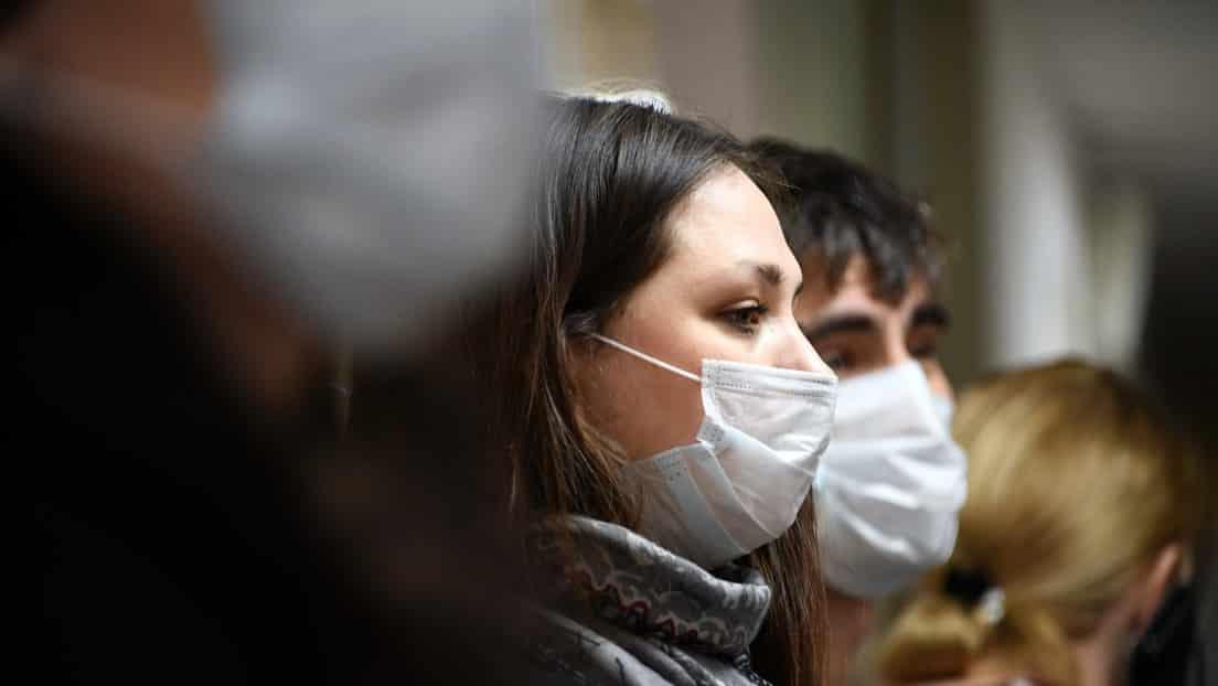 Медицинская маска защитит от коронавируса или нет: стоил ли носить