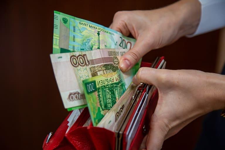 Сколько в России требуется денег для того, чтобы жить нормально