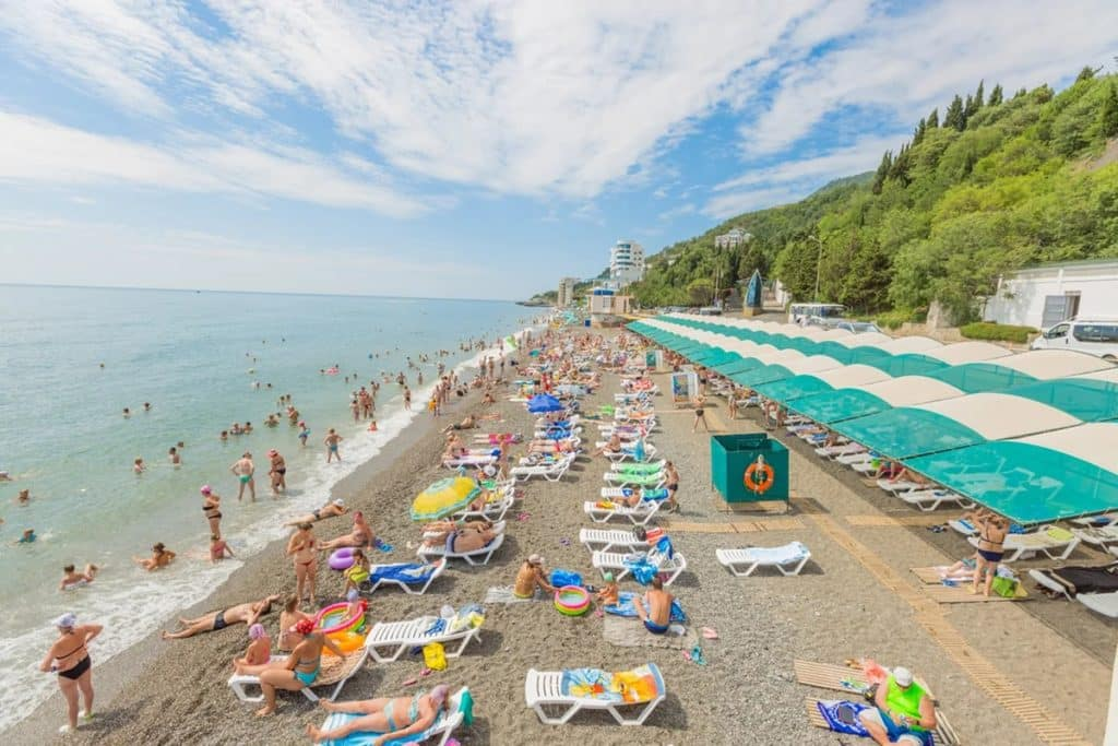 Отдых летом 2020 в России: где можно отдохнуть, куда поехать не покидая страну