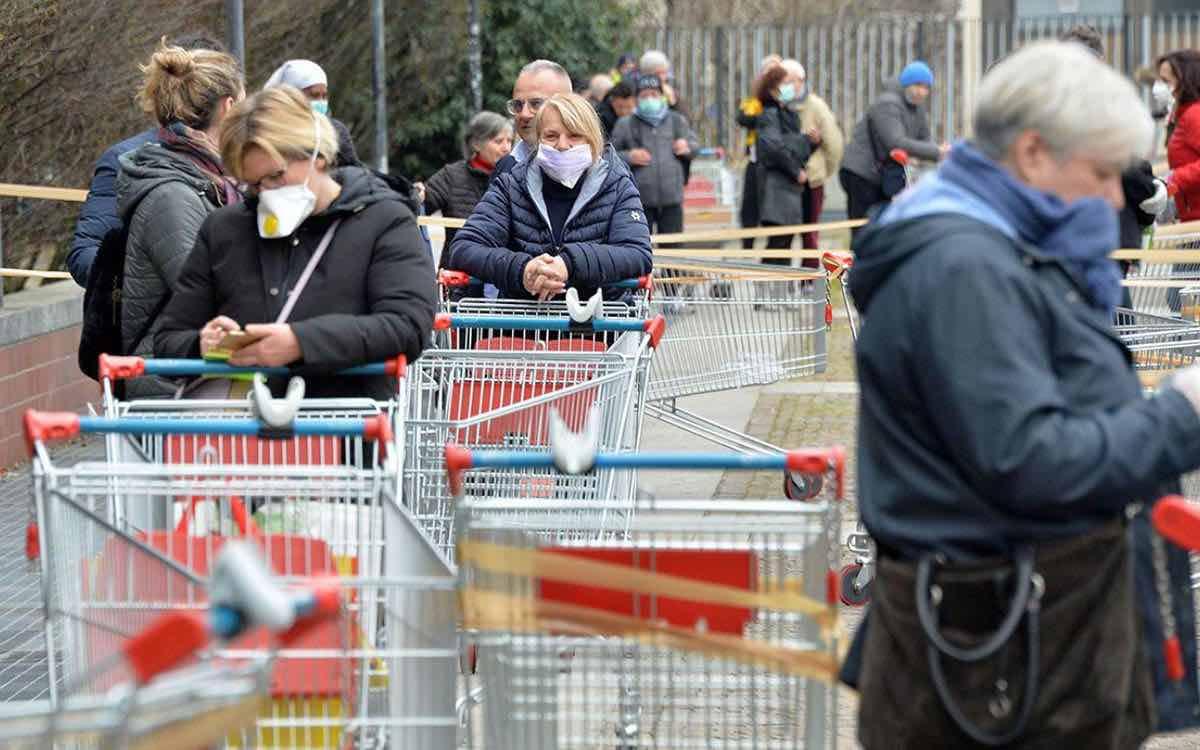 В сети стали распространяться слухи о продлении карантина до ноября 2020 года из-за пандемии COVID-19