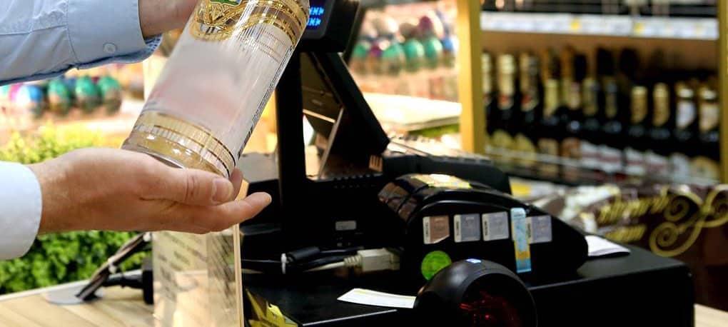 Возраст продажи алкоголя увеличат в России до 21 года