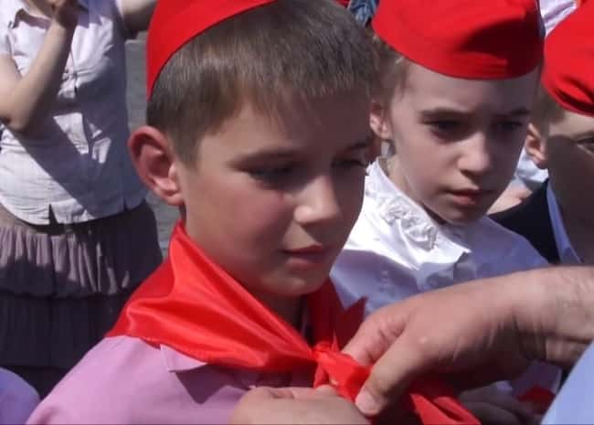 Каким было пионерское движение в эпоху Советского союза: воспоминания про красный галстук