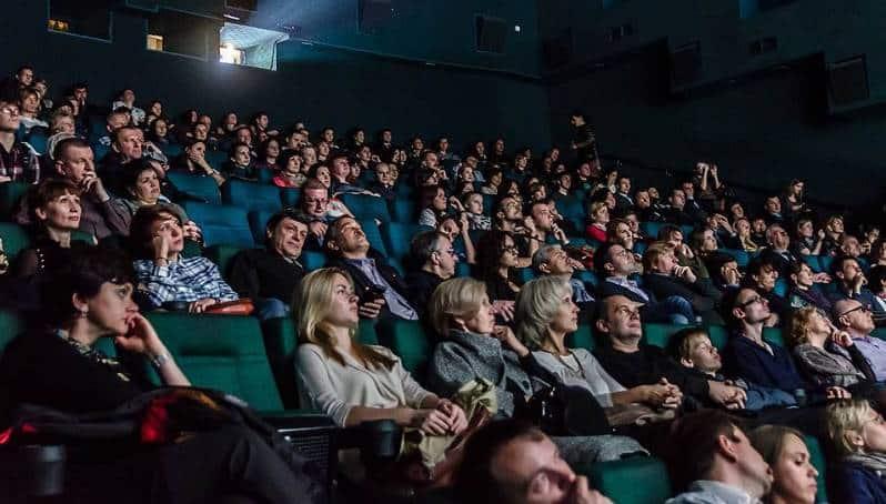 Кинотеатры в Москве могут заработать уже с 1 июня, но с ограничениями