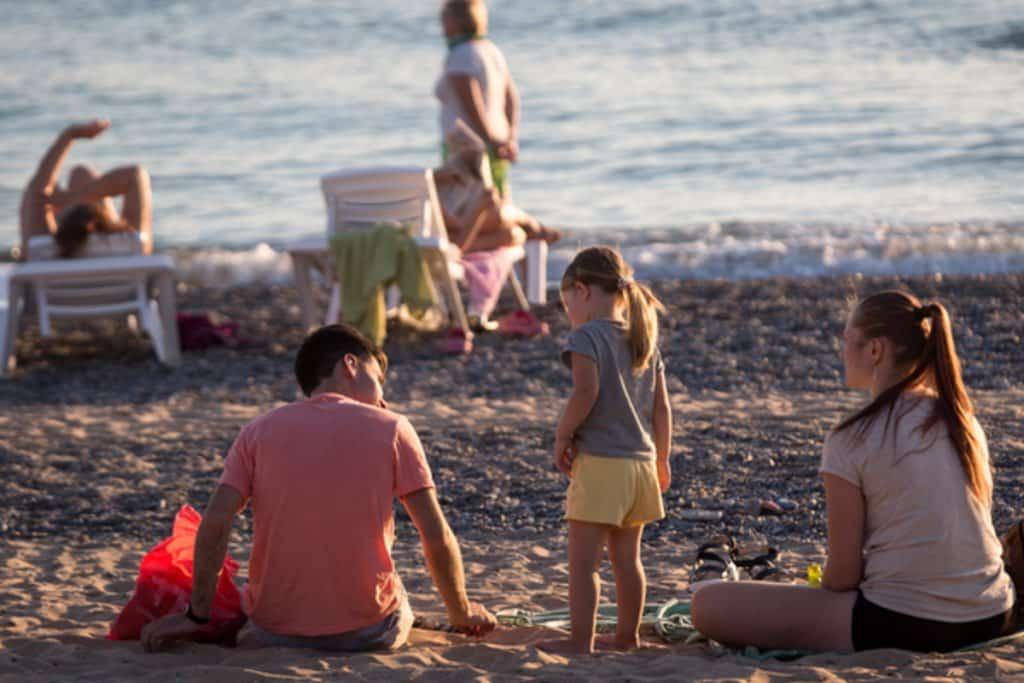 Ограничения заграничного курортного отдыха в период пандемии коронавируса 2020 года