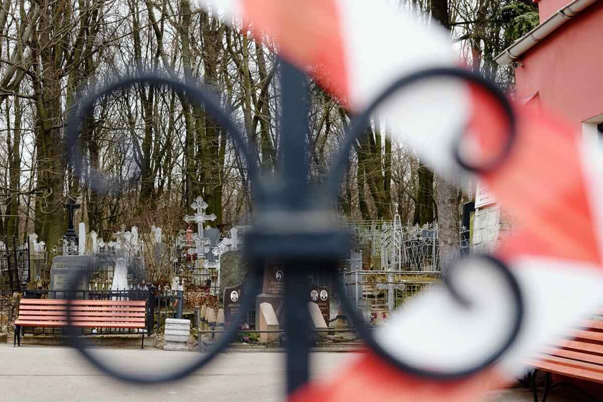 Как в России хоронят умерших от коронавируса?