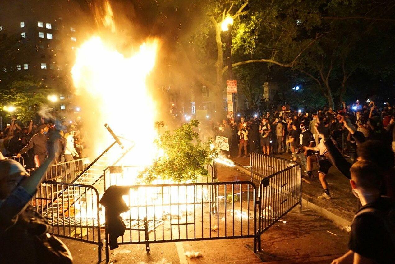 Беспорядки в США Владимир Жириновский назвал началом революции
