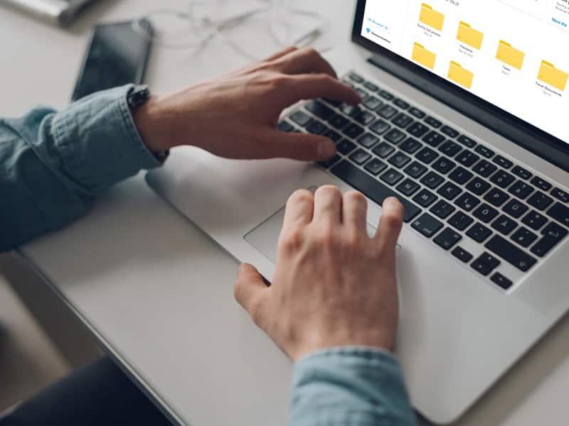 Подать документы в ВУЗ в 2020 году можно через интернет, без личного присутствия