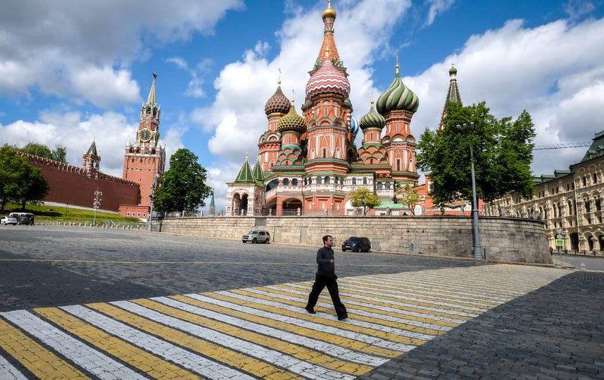В Москве с 1 июня разрешено выходить на улицу по графику