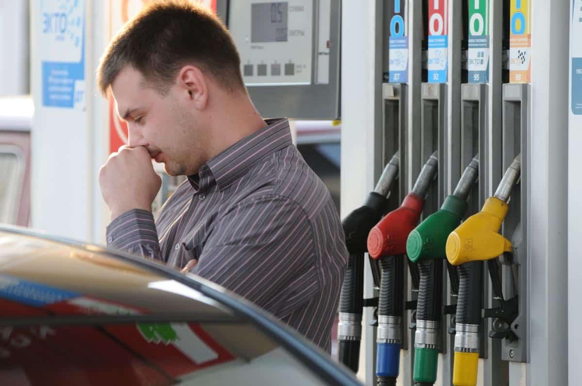 Эксперты прогнозируют рост цены на бензин уже летом этого года