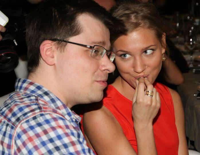 Новость о разводе Гарика Харламова и Кристины Асмус оказалась розыгрышем