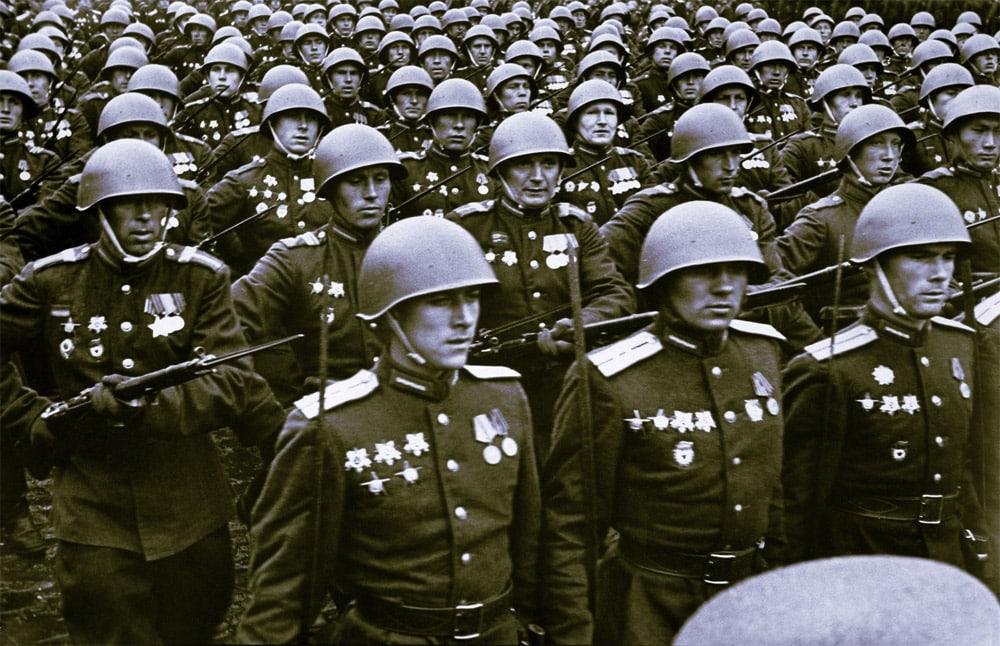 По каким причинам парад Победы в 45-ом принимал не Иосиф Сталин