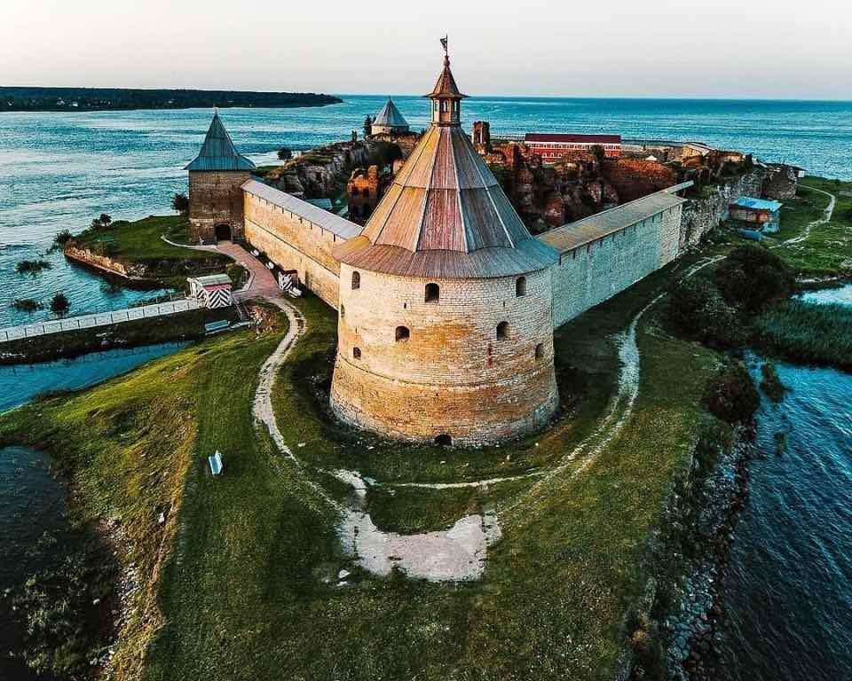 Самые впечатляющие замки и крепости России, и их истории