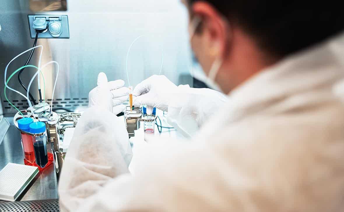 Вакцинация от коронавируса в России начнётся осенью