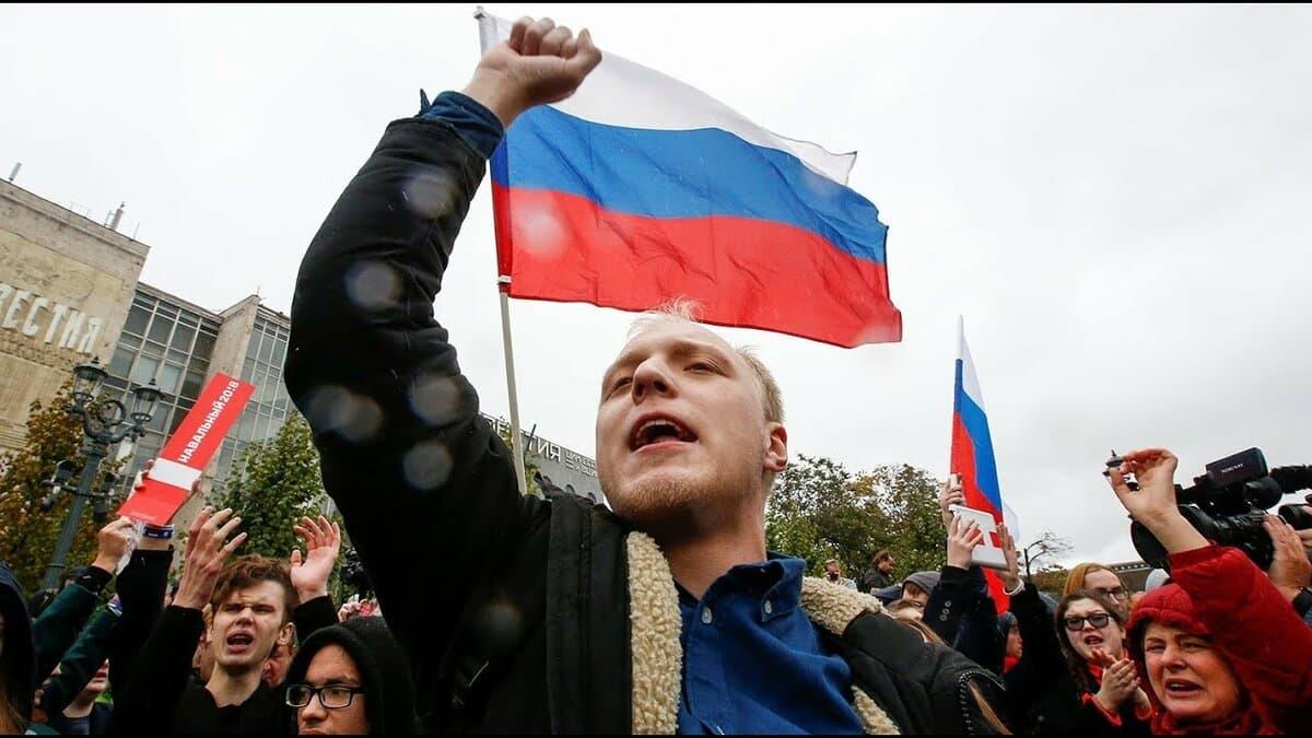 Треть россиян готовы участвовать в акциях протеста из-за низкого уровня жизни