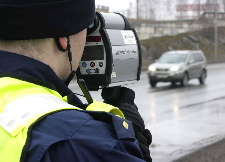 В России могут увеличиться штрафы за превышение скорости на 20-40 км/час