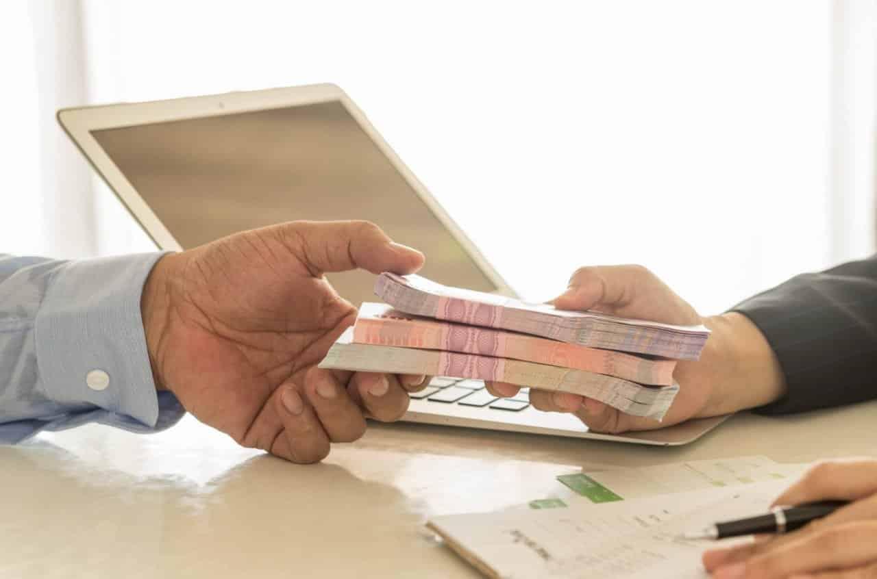 В России стал работать закон о возврате страховки по кредитам