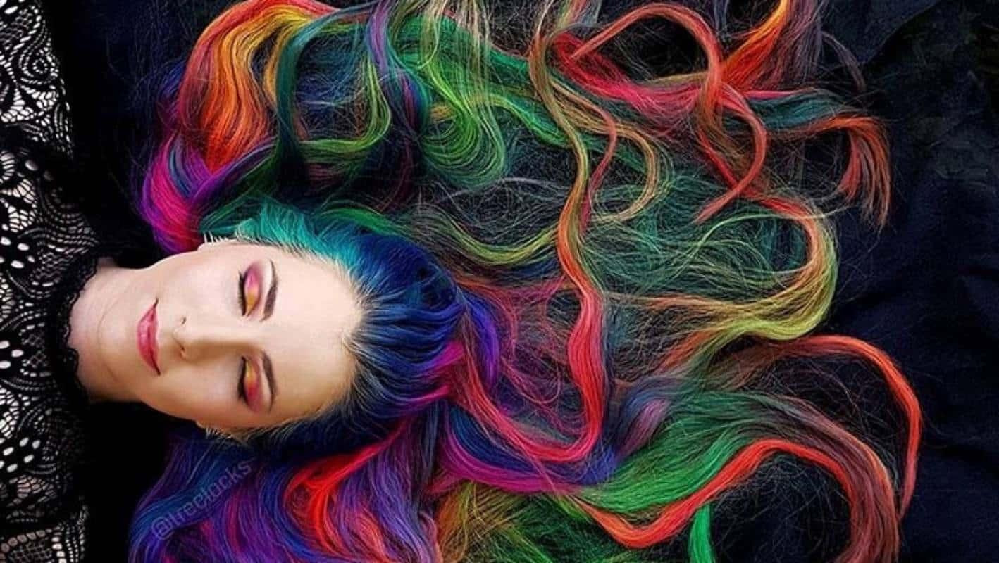Радуга вне закона: с 2020 правительство ввело штрафы за цветные волосы, правда ли это?