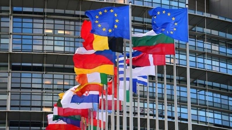 Евросоюз постепенно открывает свои границы для туристов: ждут ли Россиян?