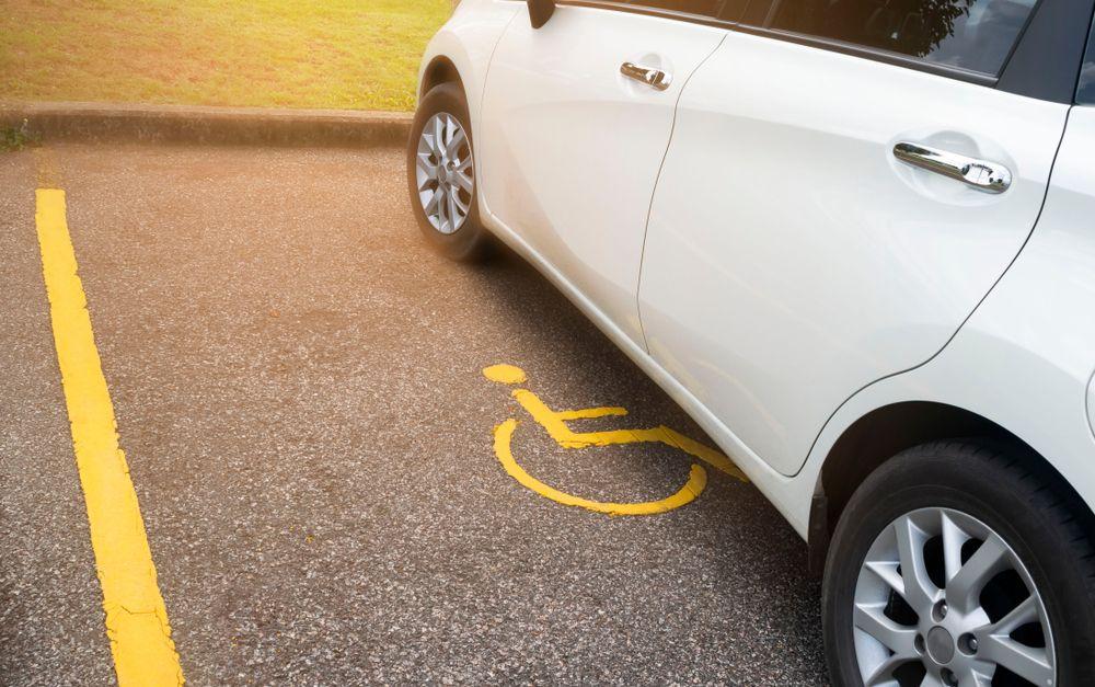 Некоторые категории инвалидов лишаются права на бесплатную парковку с 1 июля 2020
