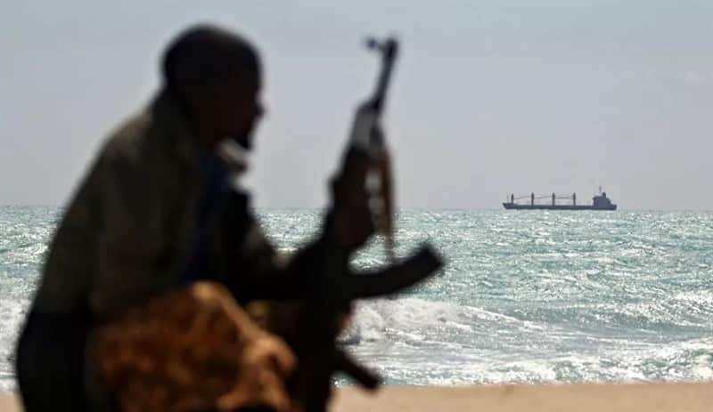 13 граждан России и Украины находятся в плену у пиратов в Африке