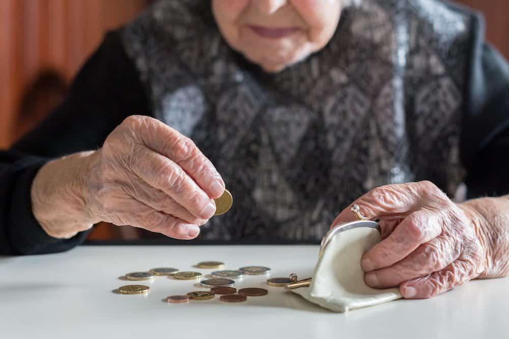 Пенсионерам по закону полагается перерасчет пенсии за стаж в Советском союзе