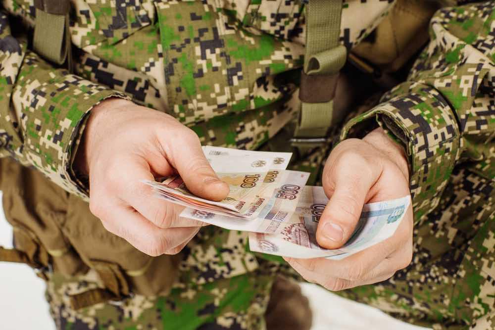 Повышение денежного довольствия военнослужащим запланировано с 1 октября 2020 года