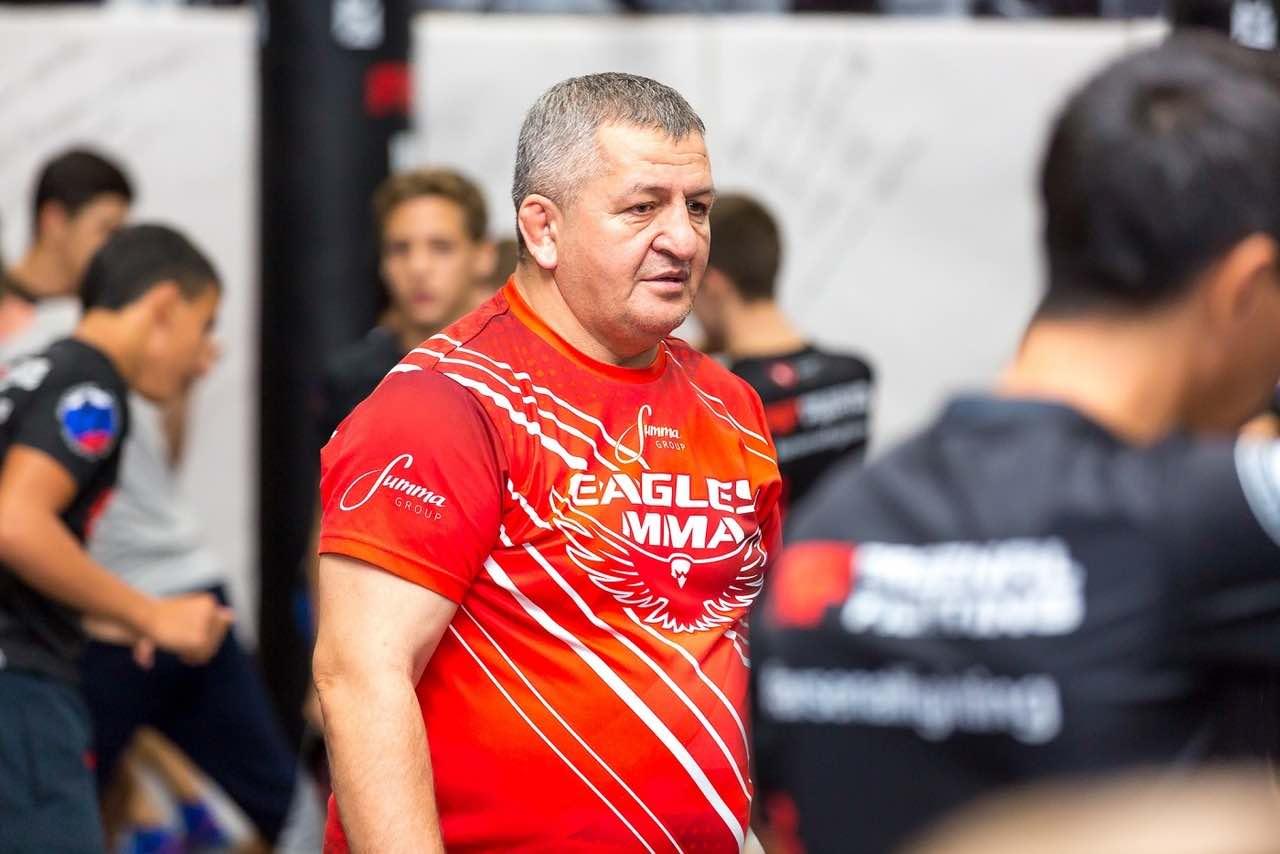 В возрасте 57 лет умер отец Хабиба Нурмагомедова