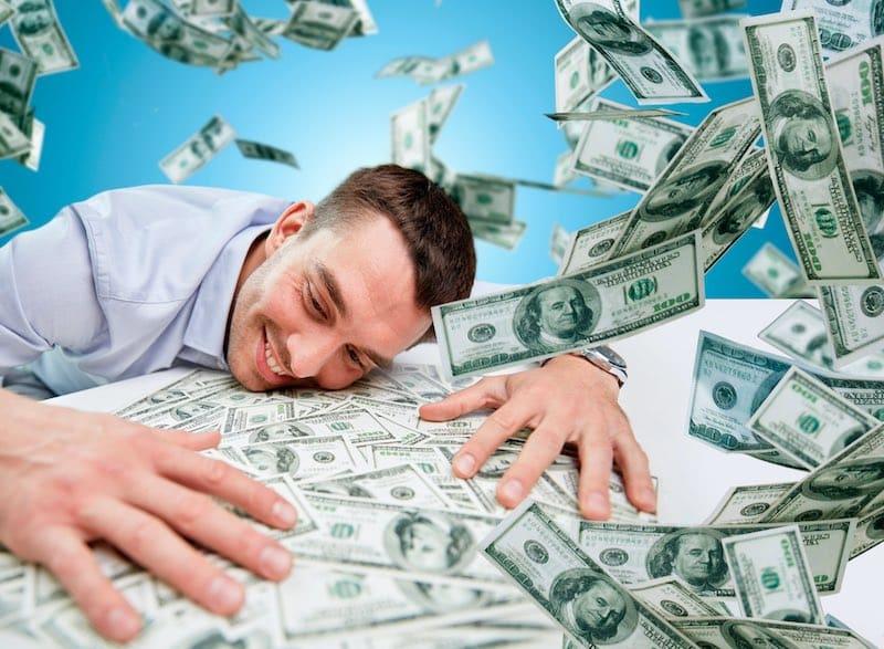 """Почему американскую валюту называют """"Баксы""""?"""