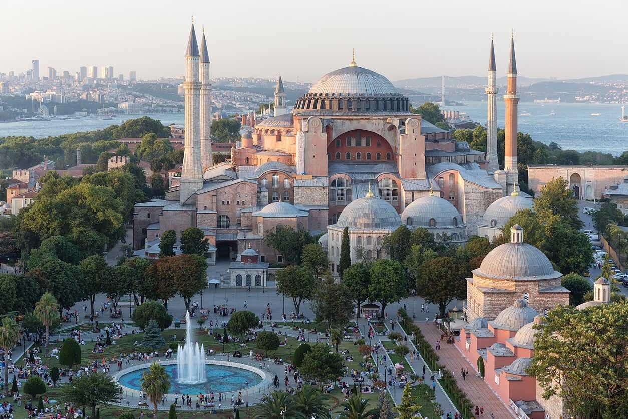 Собор Святой Софии в Стамбуле скоро станет мечетью