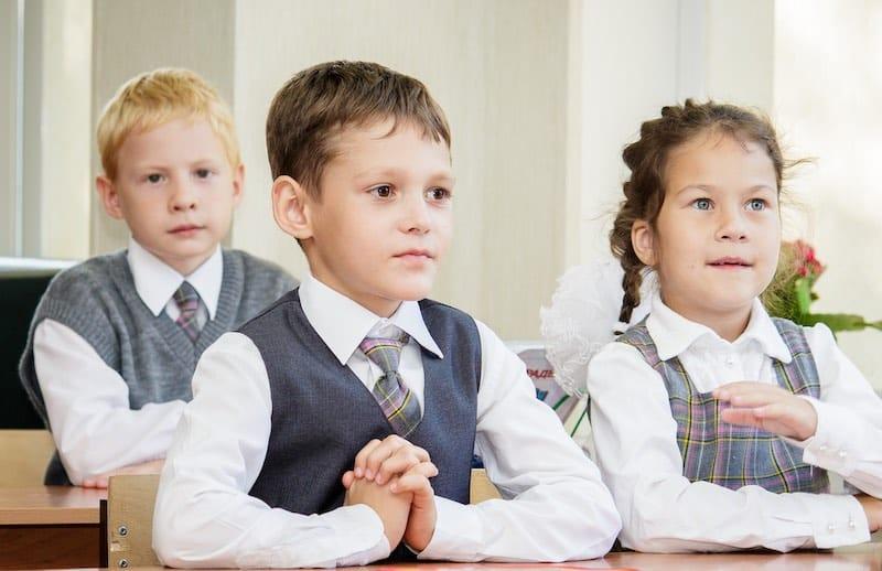 О правомерности требований к ношению школьной форме заговорили в сети