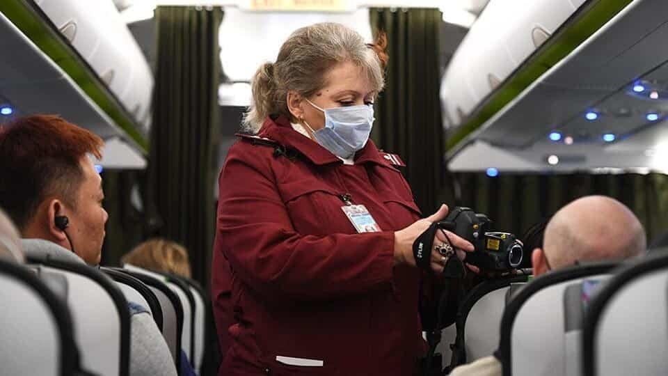 О риске заражения коронавирусом в самолёте, рассказали эксперты
