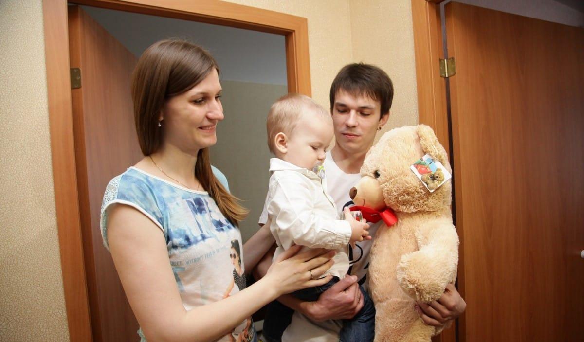 Граждане России просят правительство о выплатах в 10 тыс рублей и в августе 2020
