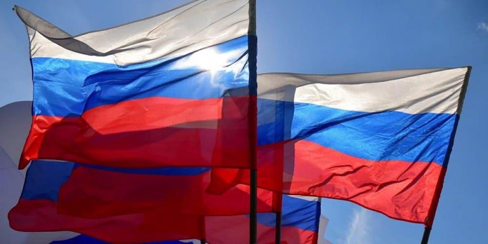 Чиновники предложили праздновать День России 1 июля