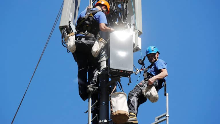 В России начинается строительство сетей связи 5G