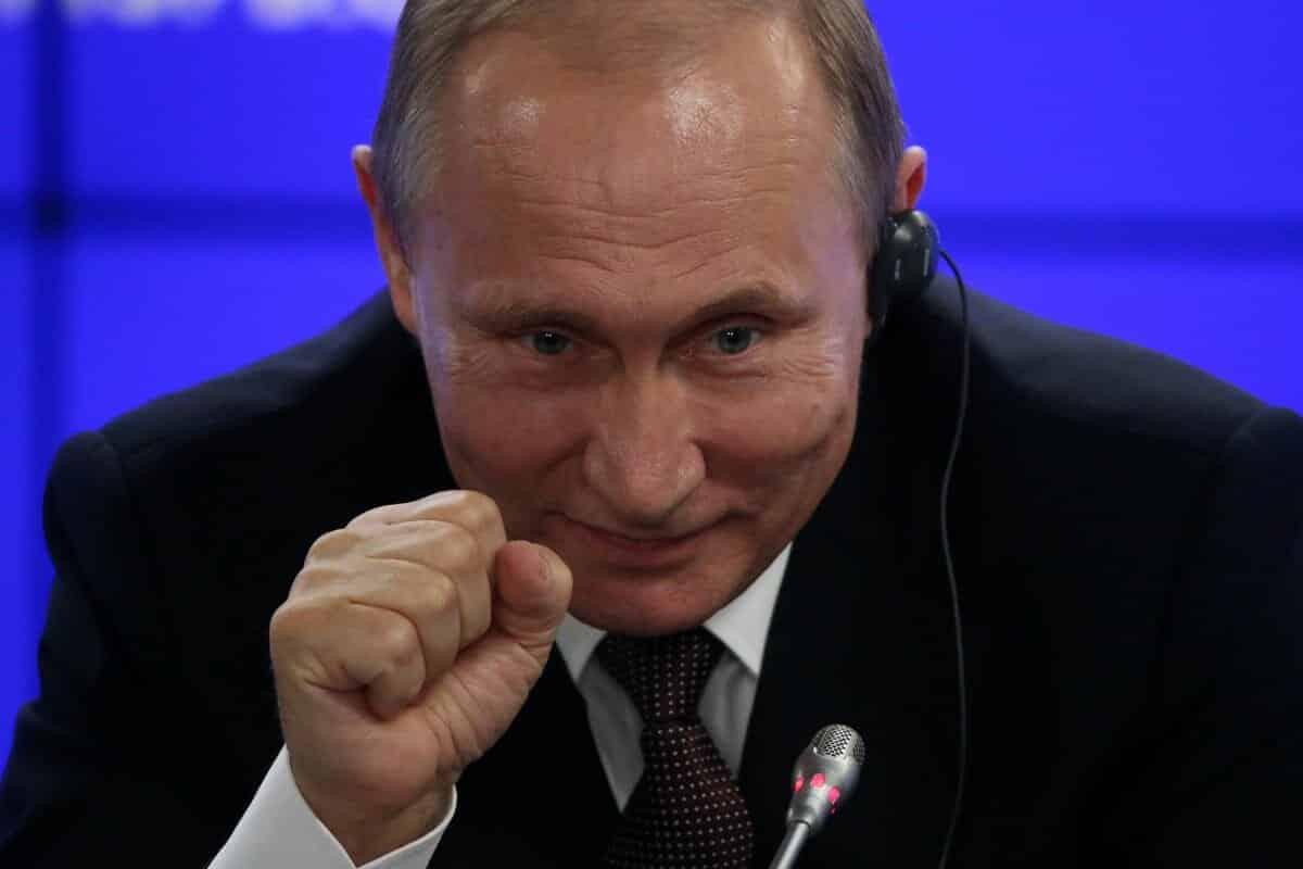 После внесения поправок в Конституцию, Путин сможет баллотироваться на новый срокв 2024 году