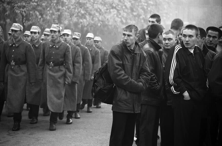 При Советской власти боролись с уклонистами от армии несколькими методами