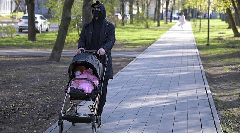 Россияне просят правительство сделать выплаты семьям с детьми и в августе 2020