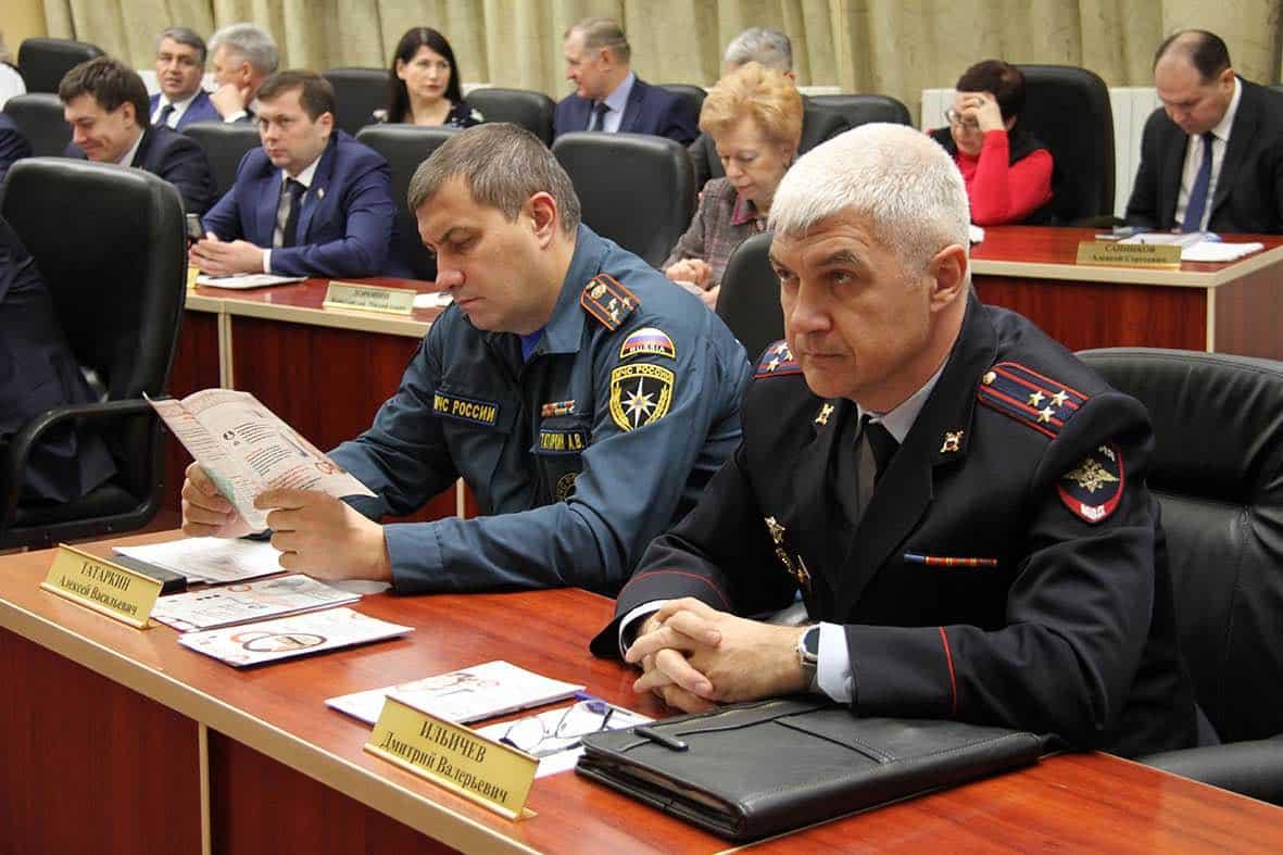 Бюджетники России ждут роста зарплаты с 1 октября