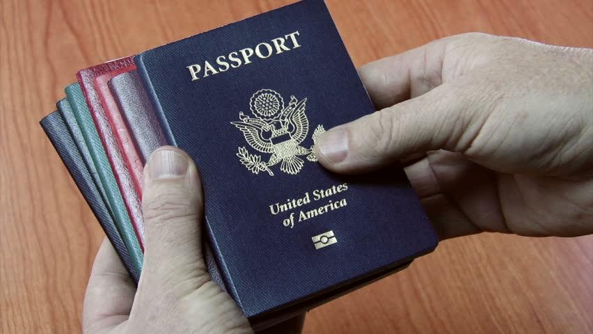 Гражданство иностранного государства у российских чиновников, станет причиной для увольнения